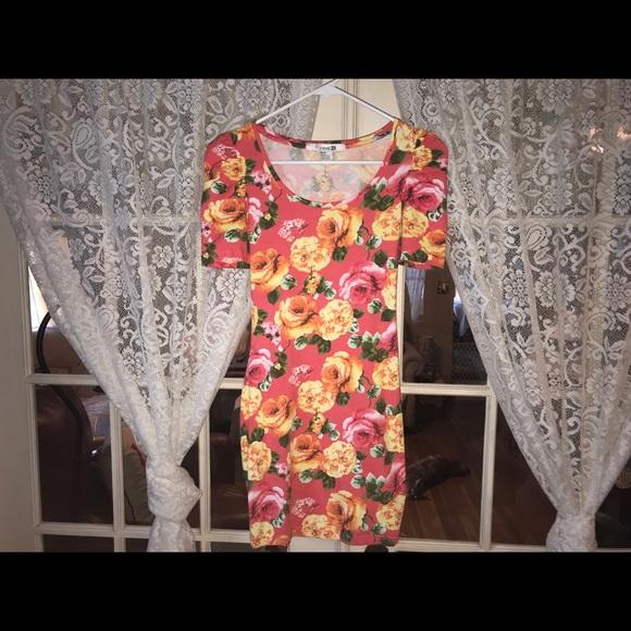 Forever 21 Dresses & Skirts - Forever21 mini floral dress (S)